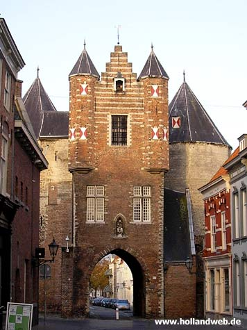 Gevangenpoort - City gate of the 15th century